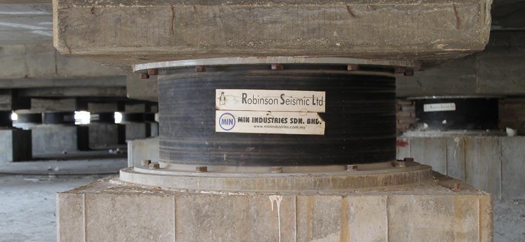 جداساز لرزه ای پروژه ویولت گاردن تولید شرکت رابینسون سایزمیک