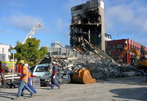فرو ریختن ساختمان CTV کشور نیوزیلند در زلزله کرایست چرچ