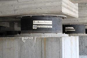 سیستم جداساز سربی لاستیکی (LRB)