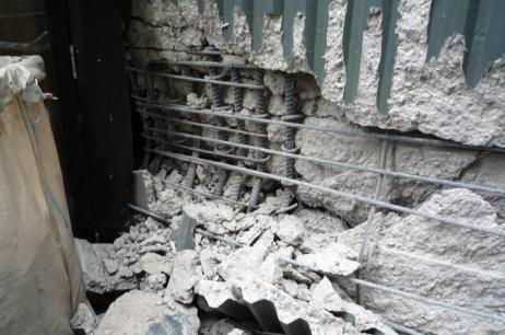 تصویری از خرابی های ساختمان 7 طبقه بتنی در زلزله کرایست چرچ که کاربری این ساختمان را مختل کرده است