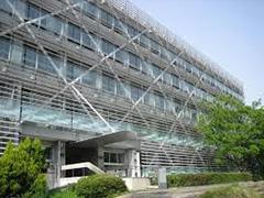 مقاوم سازی یک ساختمان بتنی موجود با مهاربند کمانش تاب (قبل و بعد از مقاوم سازی)