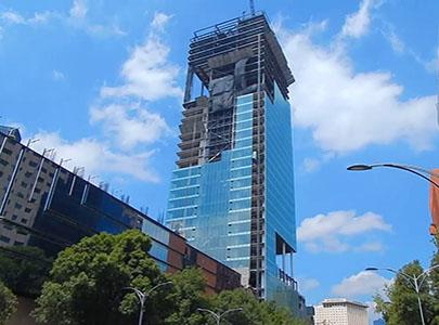 برج توره کوئارزو مجهز به سیستم میراگر اصطکاکی