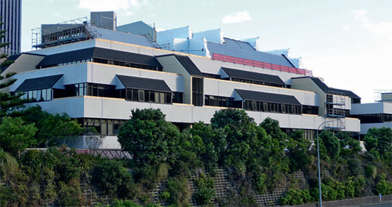 ویلیام کلیتون، اولین ساختمان جداسازی لرزه ای شده در دنیا مجهز به جداساز لرزه ای LRB