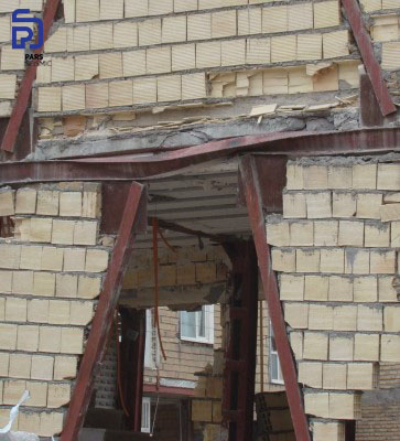 شکل 6: خسارت وارده بر تیر پیوند - زلزله کرمانشاه