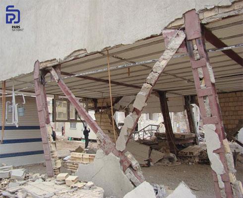 شکل 8: عدم اجرای مناسب ورق اتصال مهاربندی - زلزله کرمانشاه