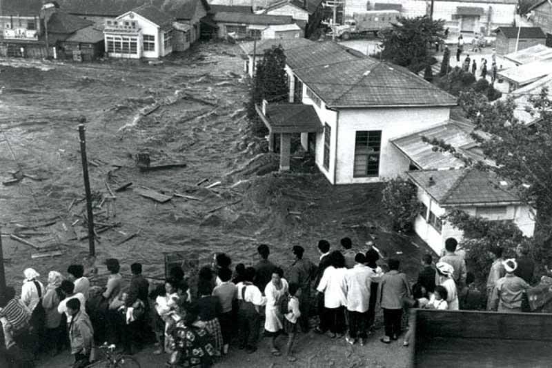 زلزله بزرگ 9.5 ریشتری شیلی، سونامی