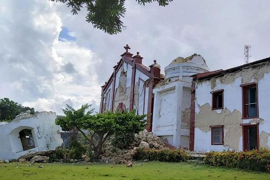 تخریب کلیسای تاریخی Santa Maria de Mayan در زلزله 27 جولای فیلیپین